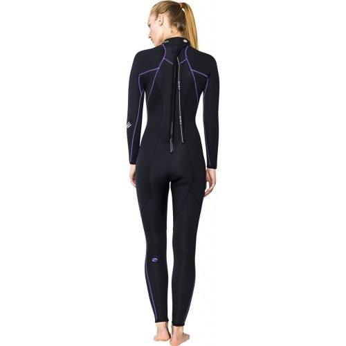 Bare-nixie-full-woman-neopreen-black-natpak-rug-duiken-wobbegong