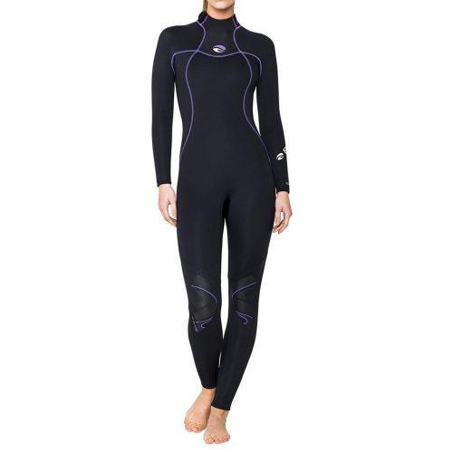 Bare-nixie-s-flex-black-woman-full-front-neopreen-natpak-duiken-wobbegong